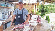 De exportación. Reinaldo Leuci comenzó a producir en Perú al estilo argentino y también enseña a cocinar la carne en su taller de asado.