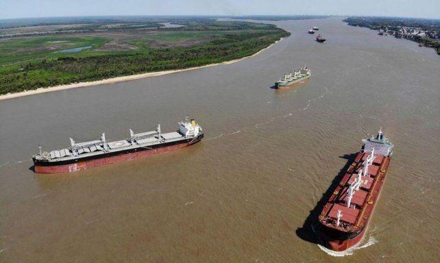 La concesión de los trabajos de mantenimiento de la vía navegable abre profundos debates.