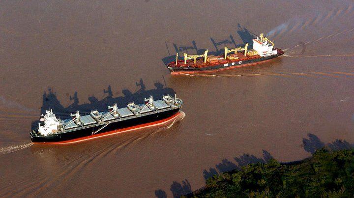 La provincia de Santa Fe aporta el 94% de las cargas no containerizadas que salen por la Hidrovía Paraná-Paraguay.