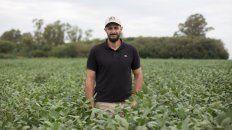 """No solo redujimos costos sino también evitamos fitotoxicidades si hubiésemos tenido que aplicar herbicidas más de una vez en el lote de soja"""", afirmó Porta."""