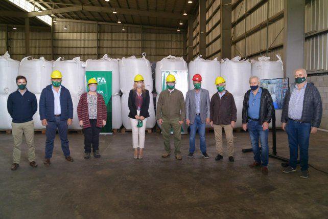 El ministro de Agricultura visitó la planta de procesamiento de legumbres de AFA en el sudeste de Santa Fe