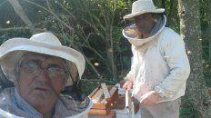 La apicultura no es sólo producción de miel. Desde Malabrigo, Antonio y Rodrigo Fabbro registraron la primera cabaña apícola en Santa Fe: la 0001.